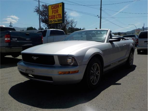 2005 Ford Mustang 2dr Conv Deluxe