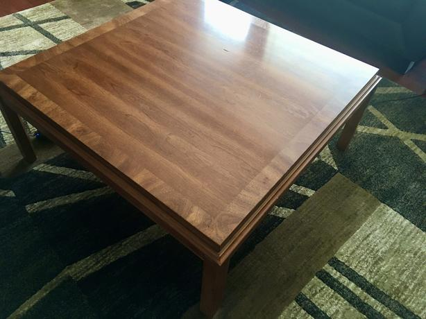 Used 3-Piece Living Room Table Set