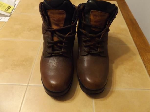 Mens Rockport  size 10 Hiking boots