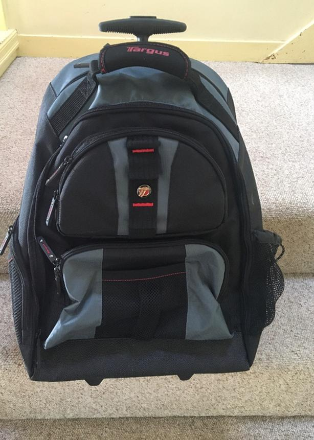 Targus Hybrid 2 wheel Combo Rollie / Backpack / Laptop Bag