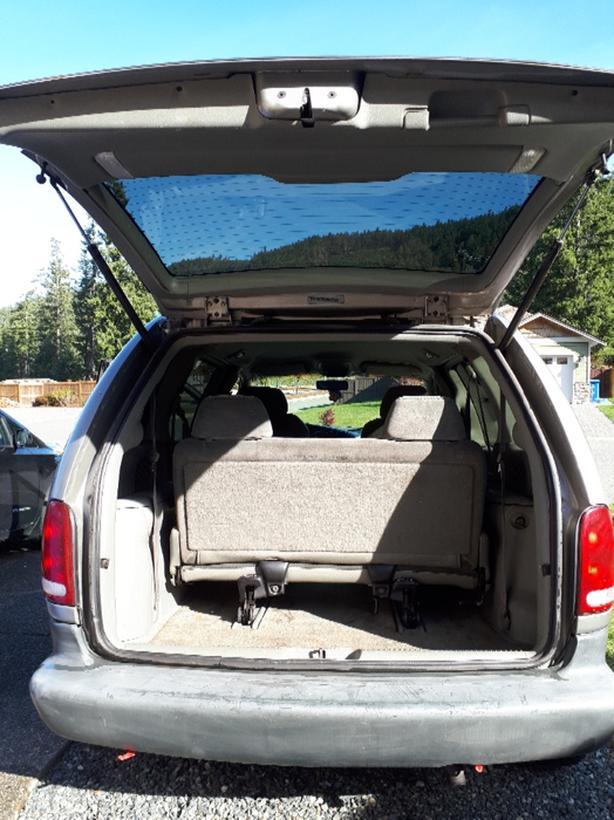 Plymouth Voyager seats 7 - Runs great
