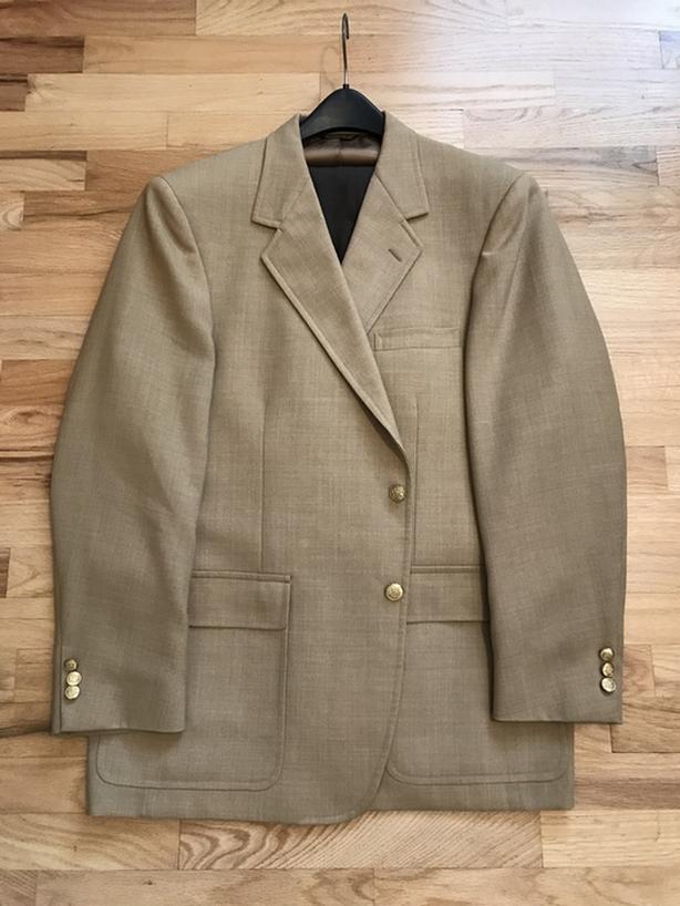 "Camel colour 46"" Men's sports coat/blazer, brass buttons"