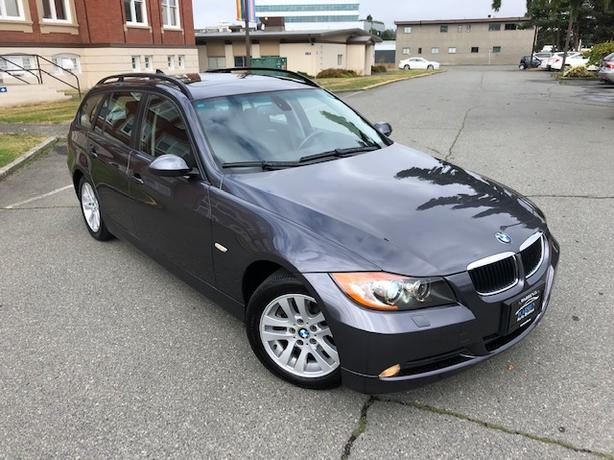 2006 BMW 325xi Wagon! Low Kms! Leather, AWD, Super Rare!