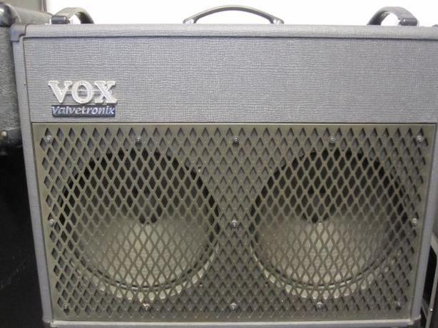 VOX Valvetronix  AD100VT-XL 2x12 guitar combo