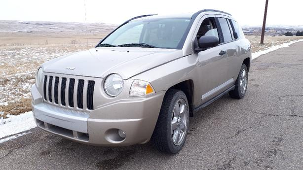 2009  JEEP COMPASS  4X4  VERY RELIABLE AND CHEAP ON GAS