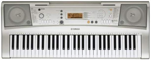 "Yamaha PSR-E303 61 Key Keyboard. Excellent with ""Y.E.S."" guide"