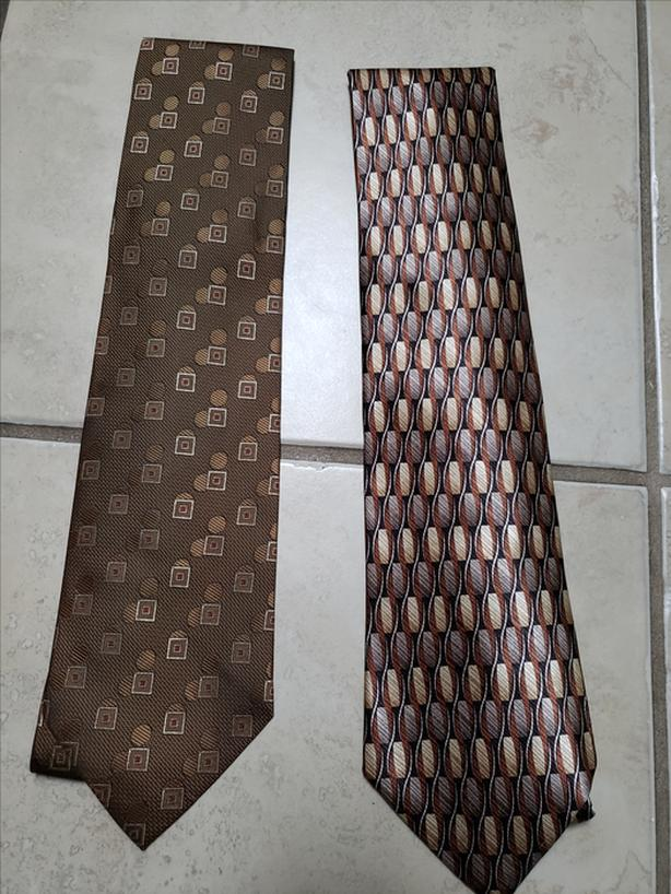 Brand New Nice All Time Classic Brown and Gold Color&Design SILK Neckties