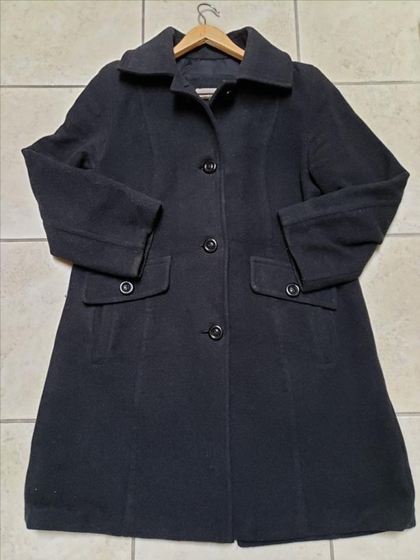 Liz Claiborne Quality WOOL Knee Length Coat Size 12 CharcoalColorVeryWarm