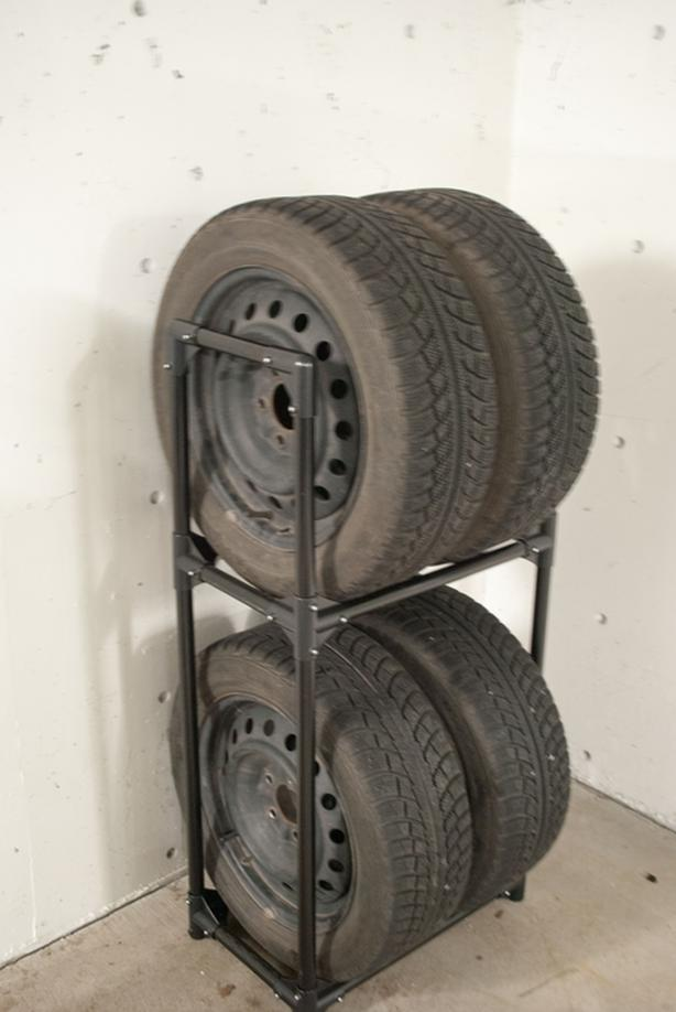 4 Gislaved NORD FROST tires+rims+stand