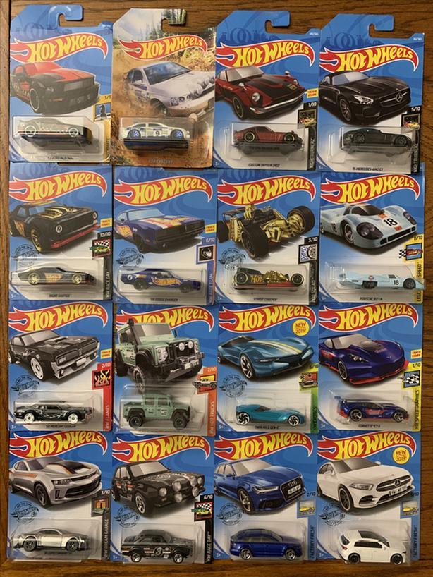 16 Hot Wheels in Packaging