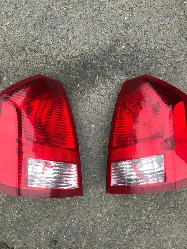 Chrysler 300 Tail lights