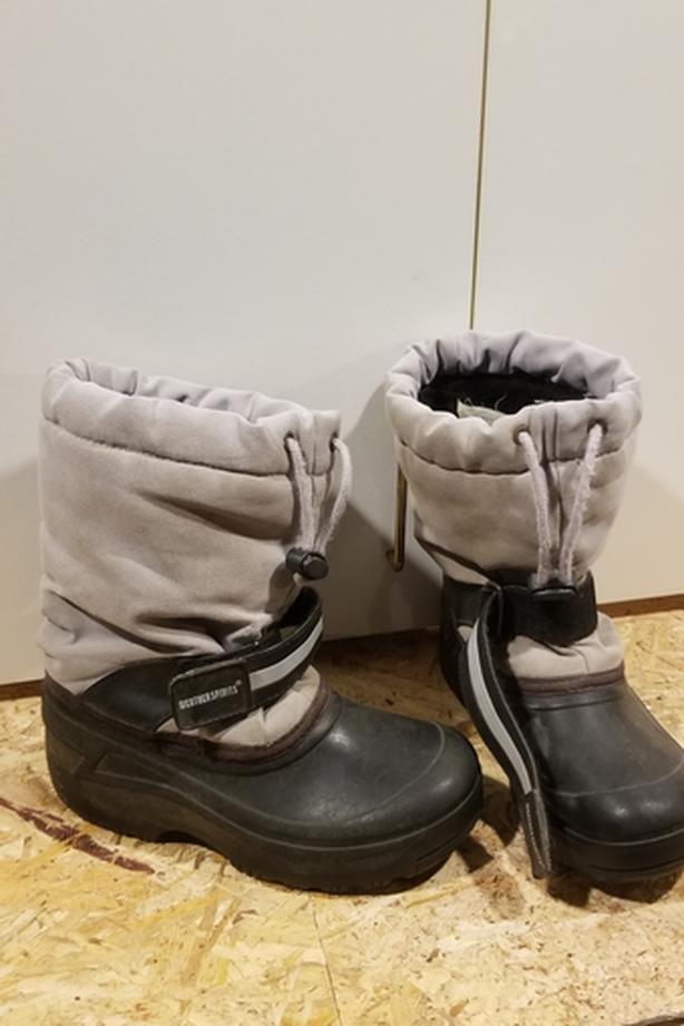 Kids Snow Boots - Size 2
