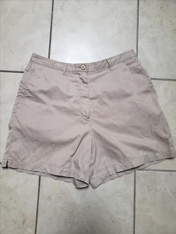 Nice Quality Brand Eddie Bauer 100% Cotton Khaki Color Lady Shorts Size 12