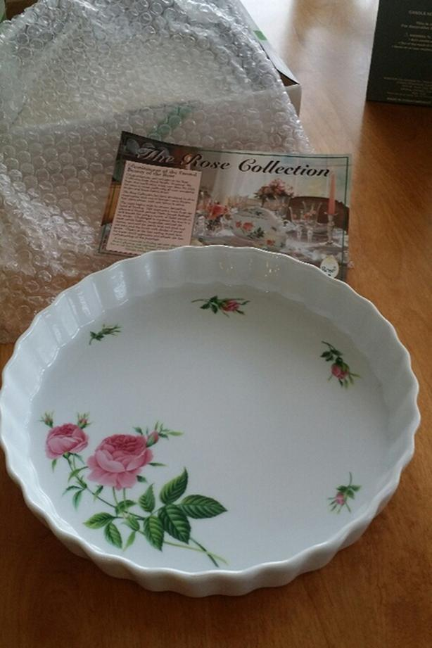 NEW Vintage China Quiche / Pie Plate