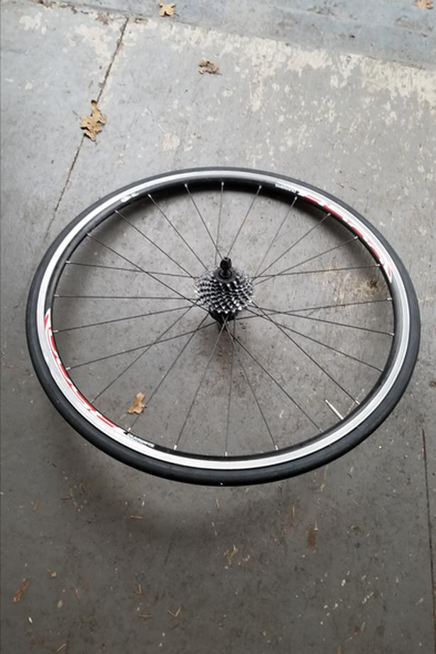 Shimano R500 700c rear wheel with Cassette