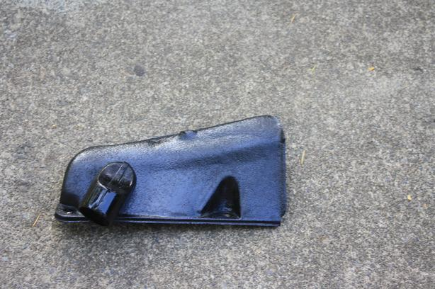 FORD - Passenger Right Exhaust Manifold Head Shield