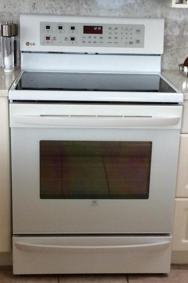 LG Electric Glass-top Range