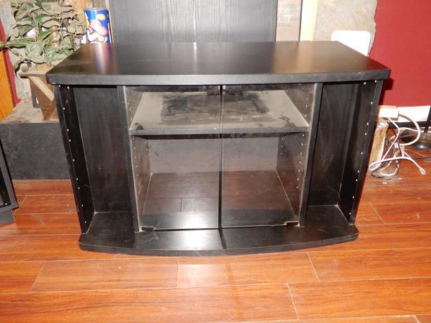 TV Stand w/glass doors