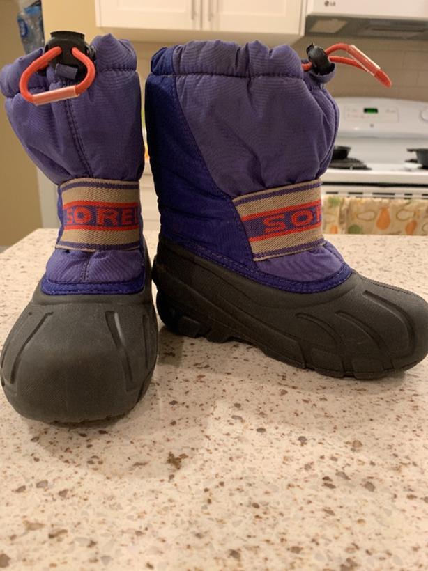 kids Sorel winter boots size 11