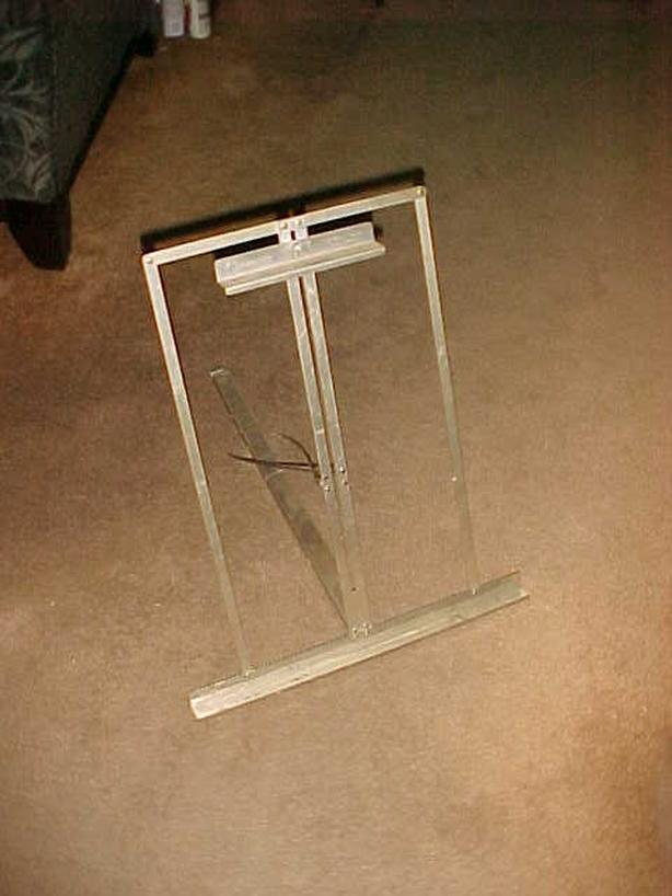 GRUMBACHER TABLE EASEL