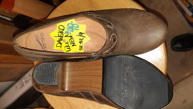 Nice!!!  Pair of leather heeled Dansko Clogs sz/42/9, like new.