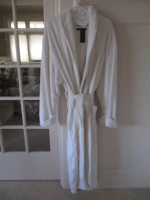New, Jones New York Plush Combed Cotton Bath Robe