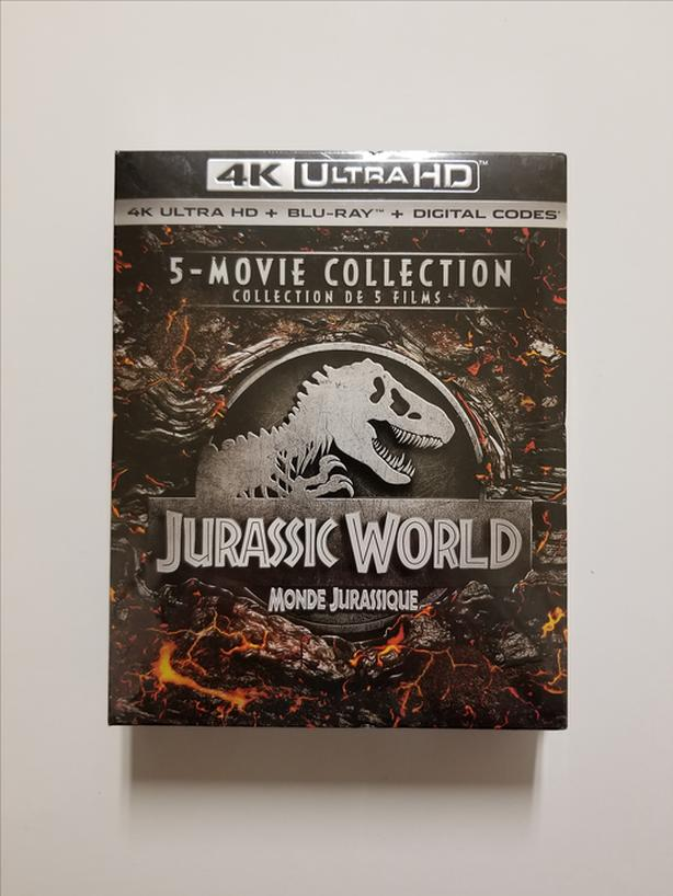 Jurassic World: 5 Movie Collection (4K Ultra HD + Blu-ray + Digital Codes)