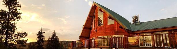 Custom Log Home on 20 Acres with Incredible Views