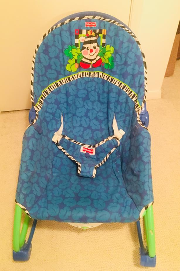 FISHER PRICE BABY CHAIR/BOUNCER