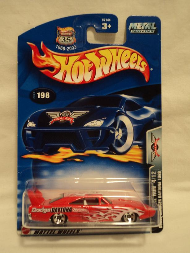 1/64 HOT WHEELS DODGE CHARGER DAYTONA 1969  #198 (2003)