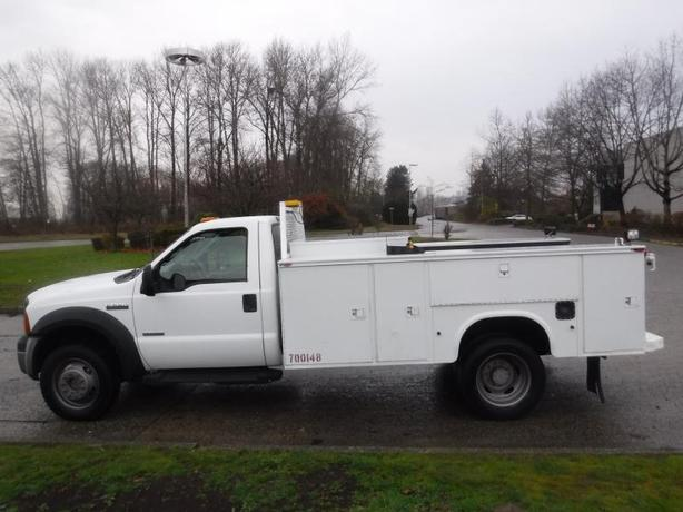 2007 Ford F-550 Diesel 4WD Dually Service Truck