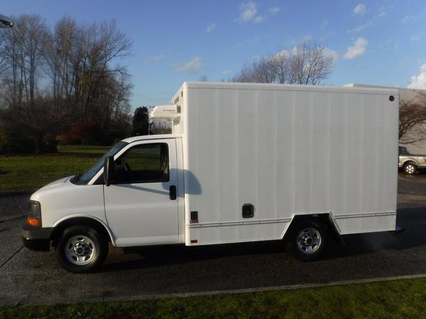 2011 GMC Savana 3500 Cube Van 11 foot Reefer