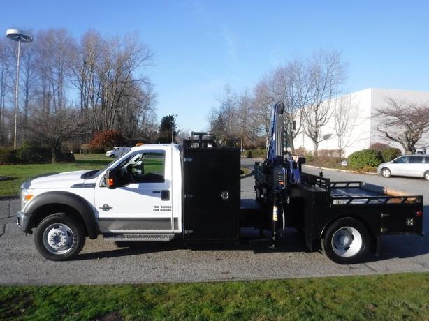 2011 Ford F-550 Flat Deck Crane Dually 4WD Diesel