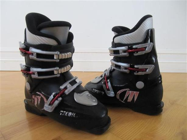 Tecnica RJ Ski Boots ~ size 3 youth