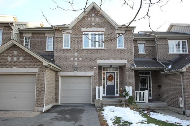 Wonderful 3 Bdm/2.5 Bth Townhome, Kanata, Bridlewood