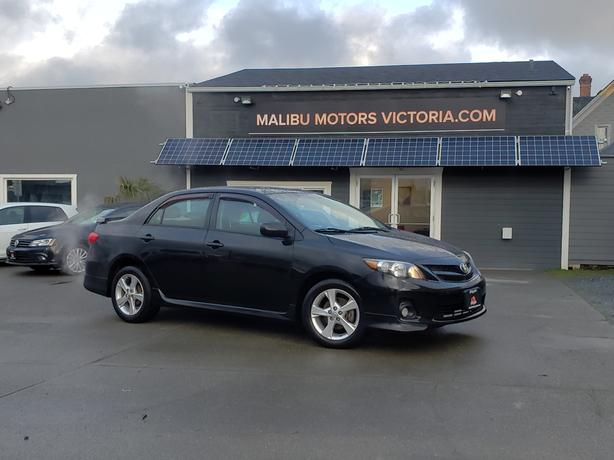 ** 2012 Toyota Corolla S - 4CYL. - MANUAL - VERY CLEAN!!