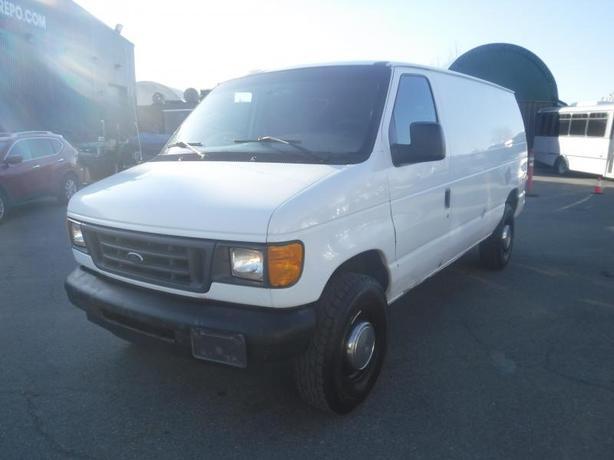 2003 Ford Econoline E-350 Cargo Van