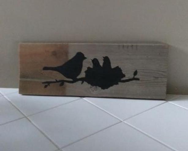 BIRD NEST SILHOUETTE ON RECLAIMED WOOD