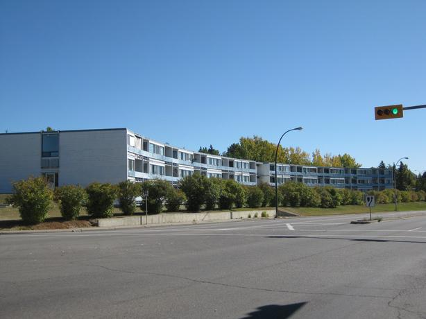 Save $$ and time! 15 min walk to U of C, Foothills Hospital and SAIT