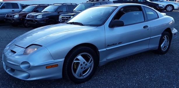 2000 Pontiac Sunfire GT, 2 Door. Winter ready!