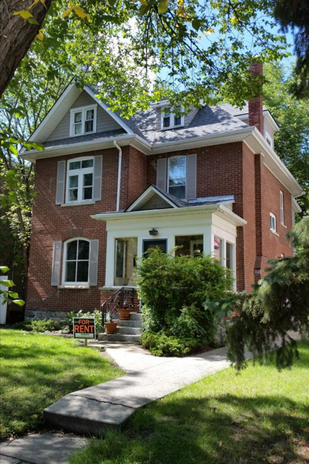 2 bdr, 2nd floor, unfurnished, clean character house, near downtown