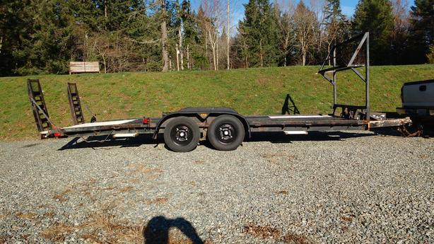 20' U-bilt flat deck trailer