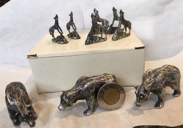 """pewter figurines/bears/wolves/""""game of thrones"""".  Free Bonus"""