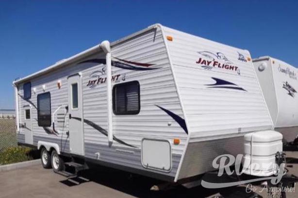 JayFlight - Bunkhouse (Rent  RVs, Motorhomes, Trailers & Camper vans)