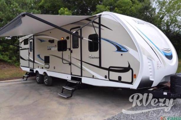 Freedom Express Maple Leaf Edition (Rent  RVs, Motorhomes, Trailers & Camper v