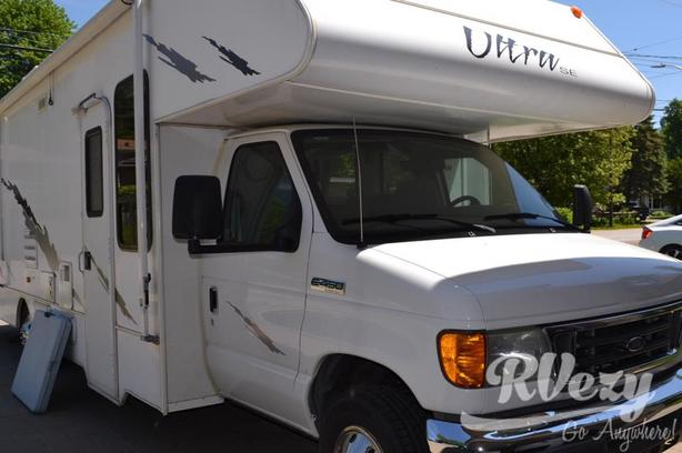 ultra (Rent  RVs, Motorhomes, Trailers & Camper vans)