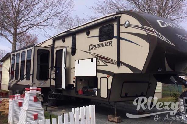 Crusader (Rent  RVs, Motorhomes, Trailers & Camper vans)