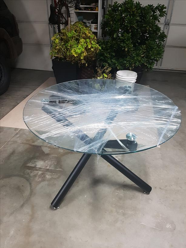Glass Table top Crossed leg w/ Parson style Chairs