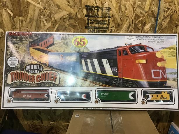 New ho train set
