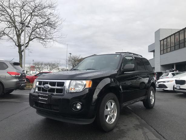 2012 Ford Escape XLT, PERIMETER/APPROACH LIGHTS, VERY GAS EFFICIENT